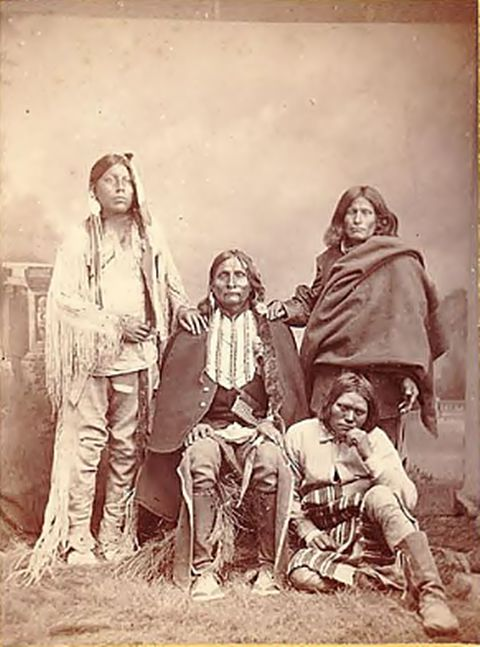 comparison of mexicans and native americans Native american articles - articles refering to native americans as they were the first to inhabit the country more indigenous peoples' literature - a collection of writings celebrating the diverse cultures of indigenous peoples' of north and south america.