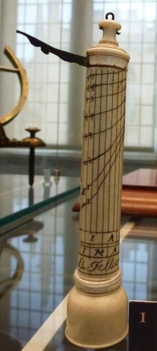 Cadrans solaires de hauteur : Oxford - Museum of the History of Science :