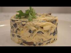 Салат из баклажан. Видео рецепт / Простые рецептыОтличный вариант закуски на обед или ужин. Ингредиенты: баклажаны 650г, лук 2шт, яйцо варенное 3-4шт, сметана 200мл, горчица 1-2 ч.л., уксус