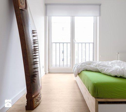Aranżacje wnętrz - Sypialnia: Mieszkanie M&M - Średnia sypialnia małżeńska z balkonem / tarasem, styl nowoczesny - 081architekci. Przeglądaj, dodawaj i zapisuj najlepsze zdjęcia, pomysły i inspiracje designerskie. W bazie mamy już prawie milion fotografii!