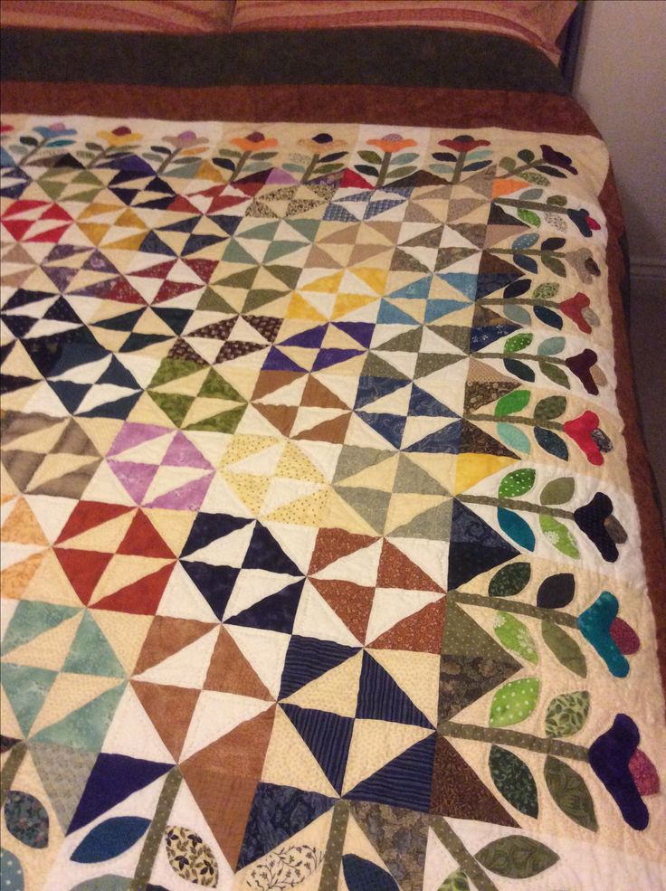 This quilt took years on and of, lots of needle turn appliqué, even I'm amazed I finished it.