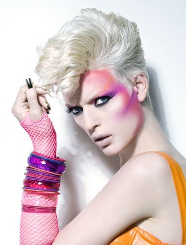 Love this 80's makeup! <3