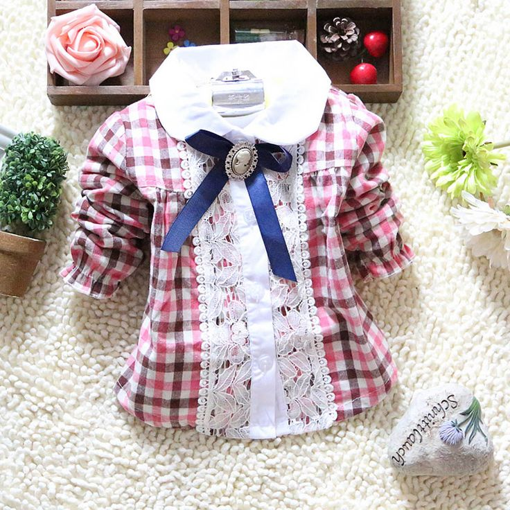 Купить товарМилый ребенок новорожденных девочек плед с бантом кружева длинным рукавом хлопок блузка топы в категории Блузки и рубашкина AliExpress.   Малыш девушки клетчатую рубашку кружева нагрудные Лук с длинным рукавом дети рубашки, топы 2-4Y 100% новый и высокое к