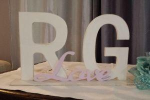Lettere e scritte da tavolo o da appendere tagliate in legno