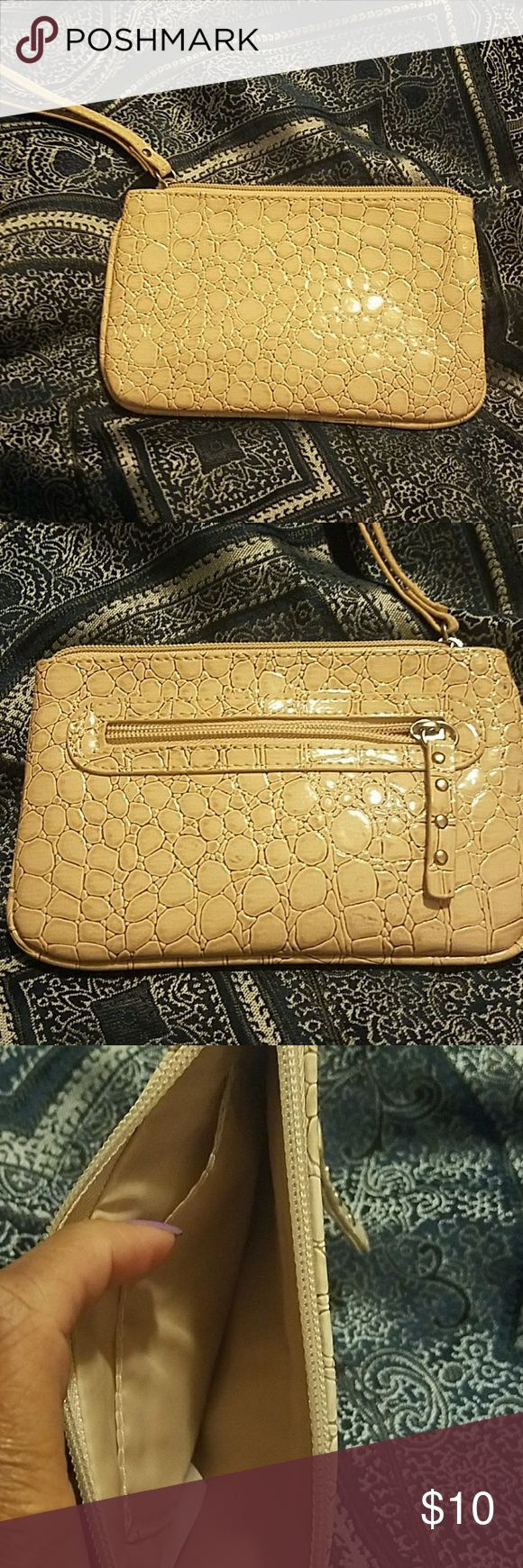 Cream Purse Cream purse with faux alligator look. Big enough to hold any size cell phone and makeup and keys. Bags Clutches & Wristlets