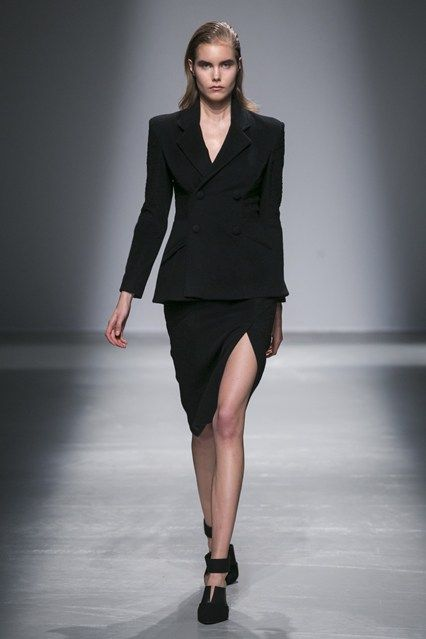 Rahul Mishra - Autumn/Winter 2015-16 Ready-To-Wear - PFW (Vogue.co.uk)
