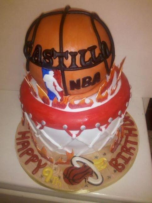 74 best Custom Cakes images on Pinterest Custom cakes