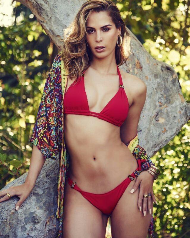 426346d0b8e6 Carmen Carrera | TG in 2019 | Carmen carrera, String bikinis, Bikinis
