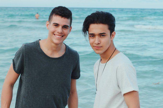 Cnco día de playa Zabdiel y Joel