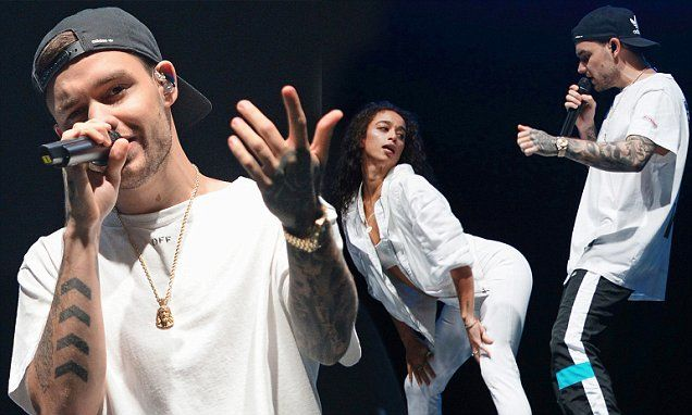 Liam Payne gyrates with female dancers at Free Radio Live #free_bitcoins  http://cmun.it/lWV0EWB (via http://cmun.it/content)http://pic.twitter.com/Uf7zvJ6XXF