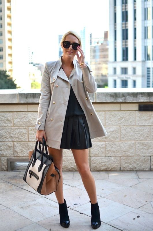 Rock chic, beige trenchcoat, leather pleated skirt