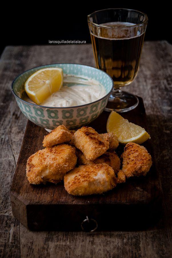 En el blog LA ROSQUILLA DE LA TÍA LAURA reinventan los nuggets y los hacen con carne de pavo, con un poco de Parmesano y los cocinan en el horno.