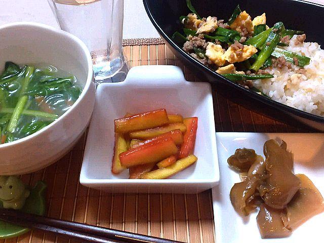 中華な感じで。  ・ニラタマ丼 ・小松菜とにんじんと春雨のスープ ・西瓜の皮の中華風漬物 ・ザーサイ - 7件のもぐもぐ - 本日の夕ごはん。 by SakuraGozen