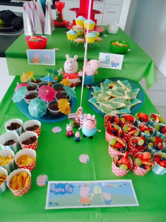 Peppa Pig Party ideas @ www.livinglovingcreating.net