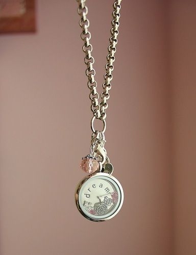 Dream locket is so pretty and simple.