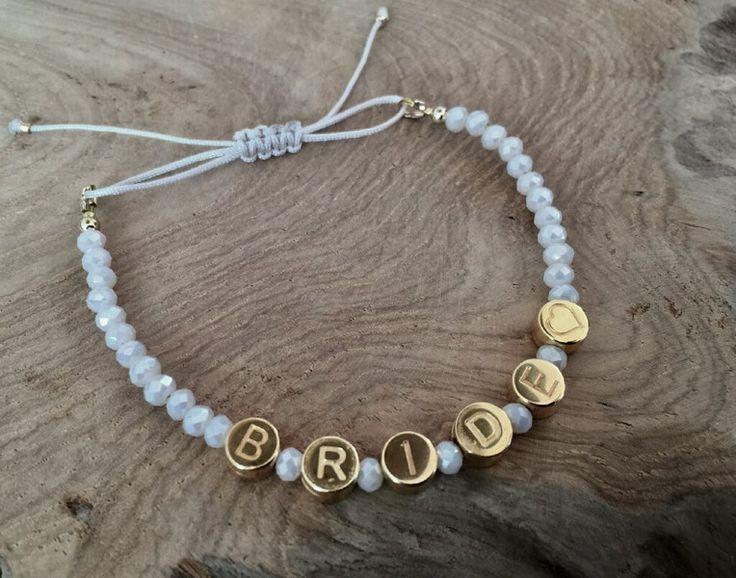 Armbänder - Braut Perlen Armband weiß Schriftzug BRIDE gold - ein Designerstück von saniLou bei DaWanda