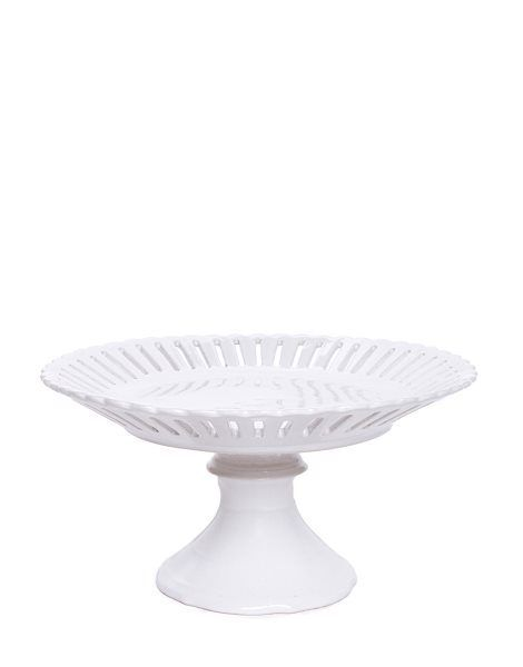 🖤 Who wants cake? Showcase your cake making masterpieces on our Piece Of Cake Plate.  It's made of White ceramic and is on a stand giving height to ensure your creations (homemade or not 😉)stand out and take centre stage.   www.saudarawithlove.com.au Like us on Instagram 😀 #cake #ceramic #cakeplate #cakestand #white #decor #homewares #tablesetting #easter #sale #online #homestyle #statement #standout #saudarawithlove