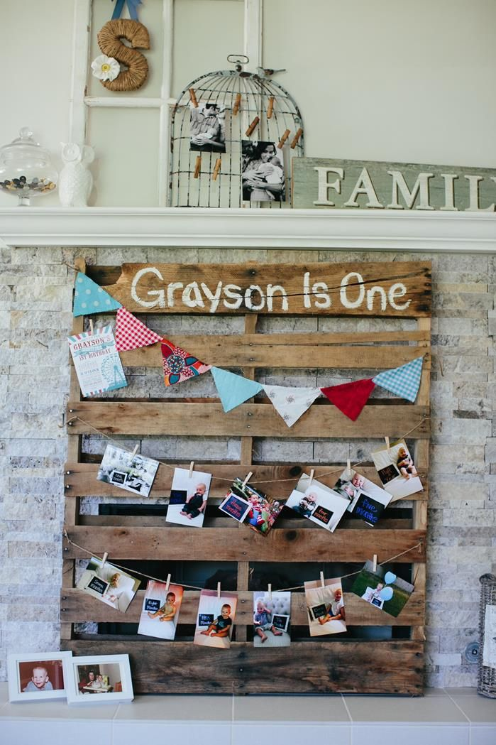 Turn an old pallet into a family picture spot or for graduation party....Seniors 2016 posted at the top.