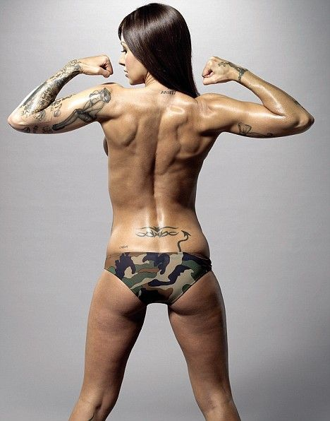 Tattooed and in shape. My kinda style!