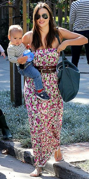 No mom jeans for celeb mothers Miranda Kerr, Heidi Klum and Gwyneth Paltrow. Check out the breezy, maxis they instead opt to wear, plus our editor's picks.Miranda Kerr, Floral Prints, Dresses Belts, Kerr Photos, Maxis Dresses, Kate Miranda, Kerr Street, Cute Outfit, Belts Maxis