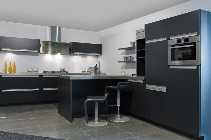 Keukens Keuken met spoeleiland donkerblauw