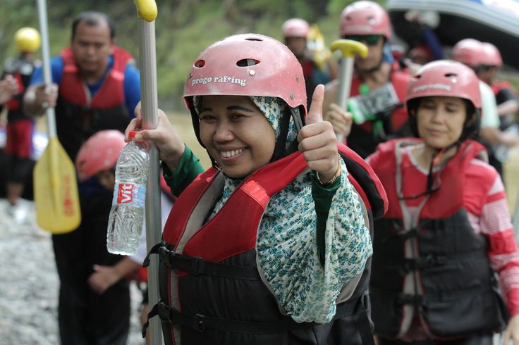 JIka kamu tidak menemukan yang terbaik menurutmu , jadilah yang terbaik bagi orang yang menemukanmu...  www.progorafting.com   .  .   : Follow Sosial Media kami : Google+ : +PROGO RAFTING MAGELANG  Twitter : @progorafting Facebook : Progo Rafting  Fanspage : Progo Rafting Magelang  Instagram : @progorafting Youtube : http://bit.ly/20fbX6y  .  .  .  .  #progorafting #progoraftingmagelang #progo_adventure #puriasri #rafting #elorafting #raftingelo #raftingmagelang #pesonamagelang #genpijateng