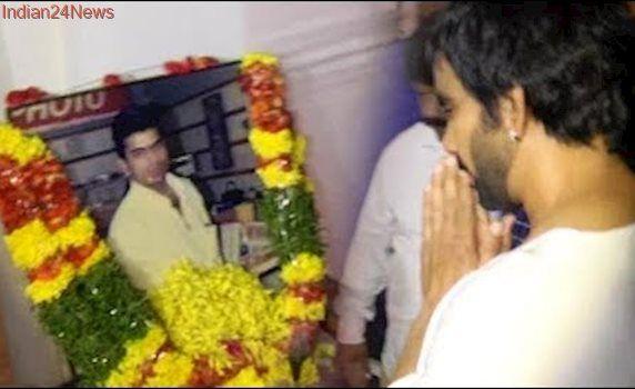 Ravi Teja Pays Homage To His Brother Bharath | TFPC