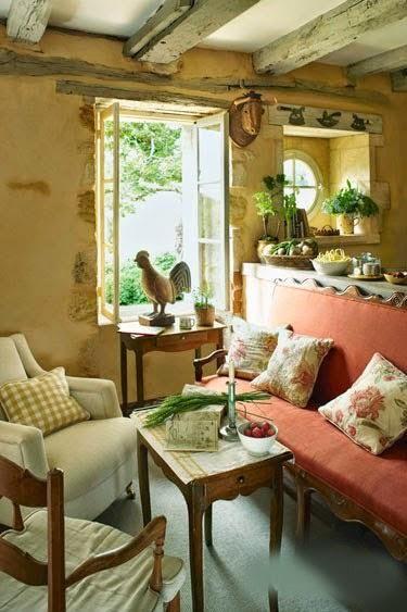 ....................................................................................Esta casa rustica restaurada, esta ubicada en el Sudoeste de Francia, en la Dordogna.
