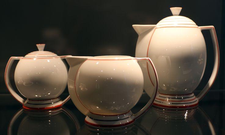 File:Guido andlovitz per società ceramica italiana, servizio da tè, laveno 1933, 03.jpg