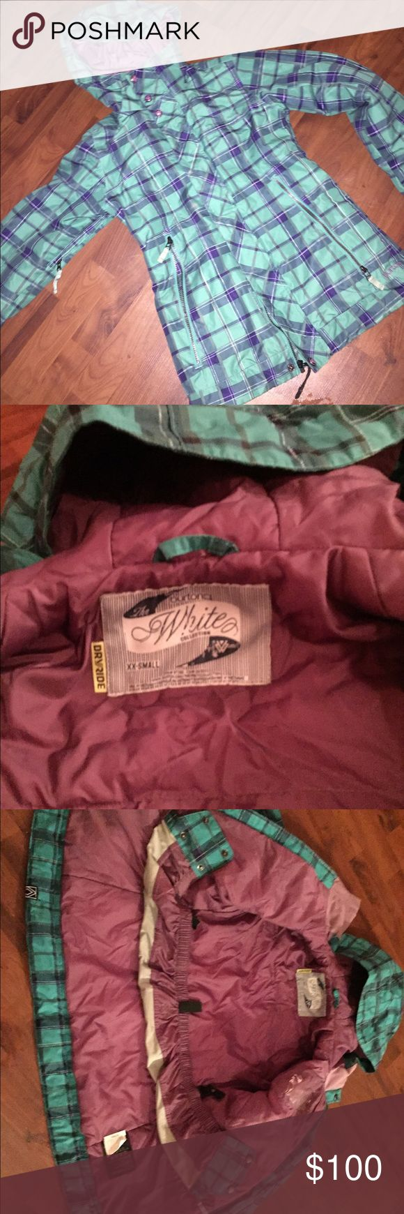 Burton snowboard jacket Great condition ! XXS (will fit a small or XS) Burton Jackets & Coats