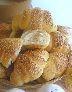 Piccoli #croissants al latte ed olio da #buffet Soffici, saporiti e buoni anche il giorno dopo!