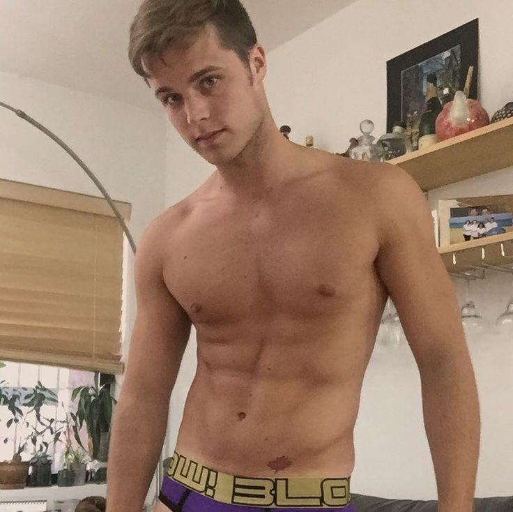 Cameron dallas gay