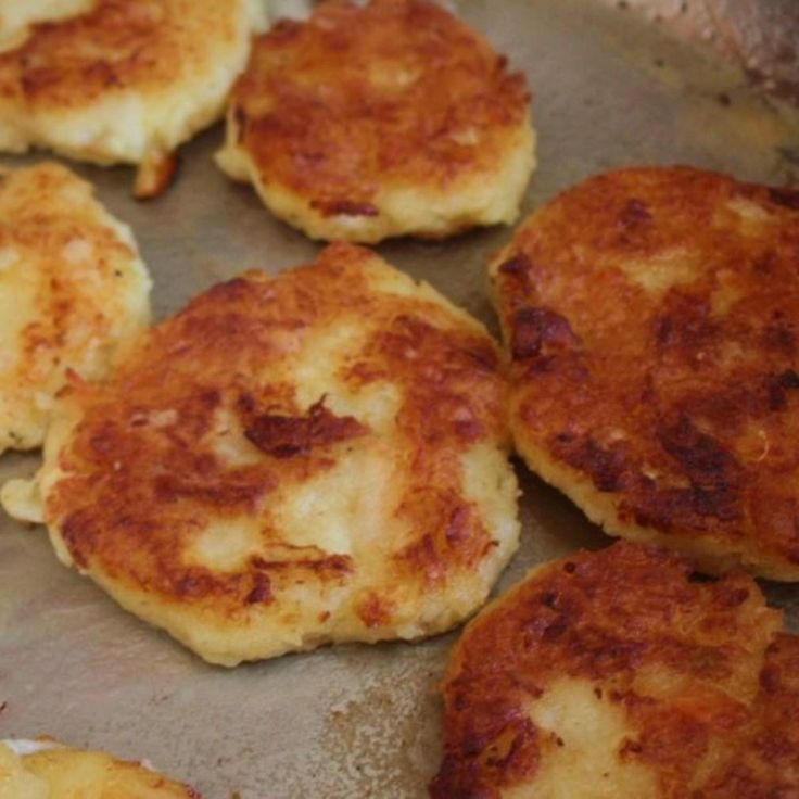 I was born in Newfoundland and although I left there over 25 years ago I still long for the salt sea air and some of my best memories are my mom's fish cakes. They are so delicious!!!  Made these today for the weekend! Freezes well.  * my pic