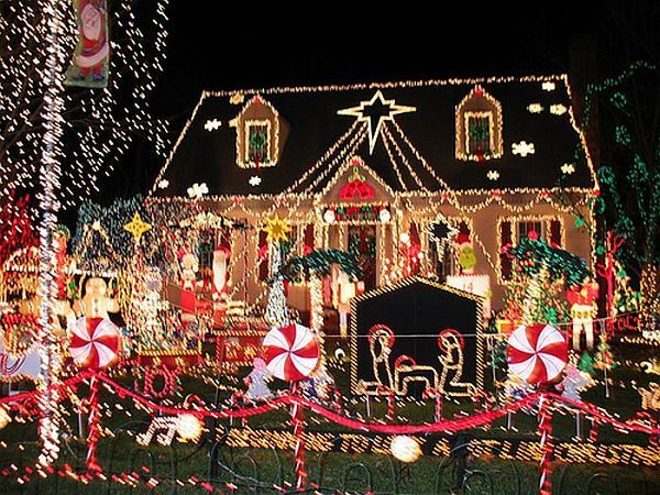 69 best Christmas Light Displays images on Pinterest | Holiday ...