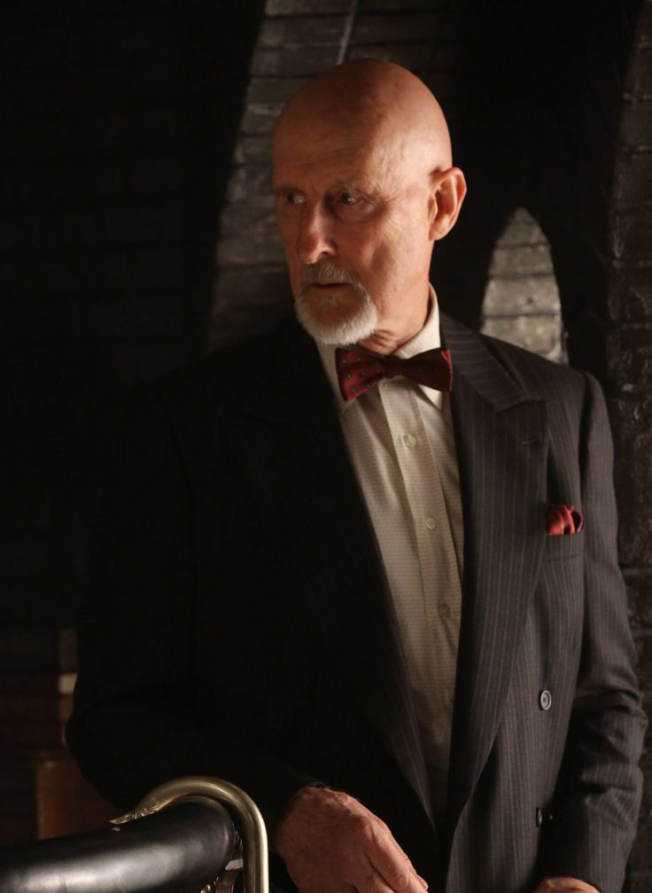 American Horror Story Asylum Dr Arden James Cromwell as Dr. ...
