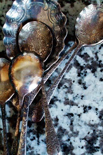 How To Clean Silver With Baking Soda & Aluminum Foil @Liz Mester