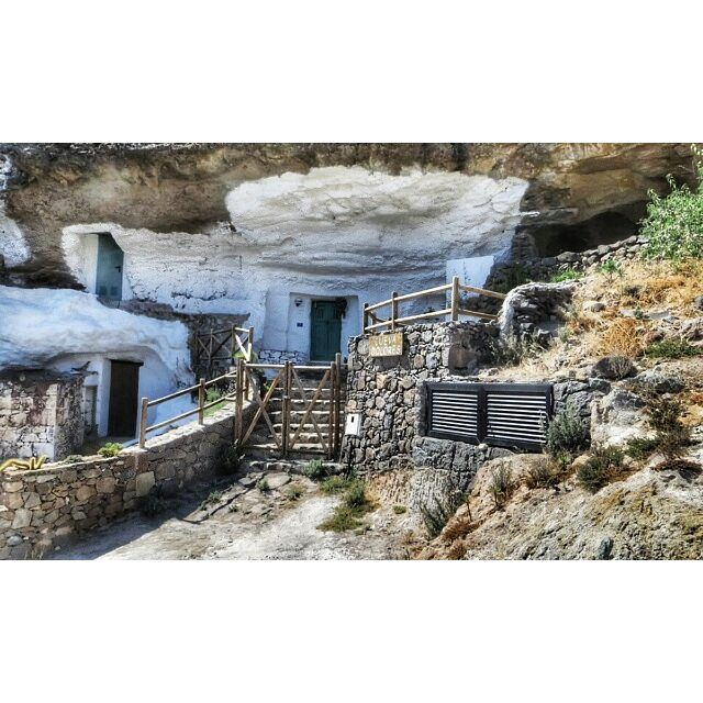 One of the more posh cave houses we saw on a hike in gran - Living in gran canaria ...