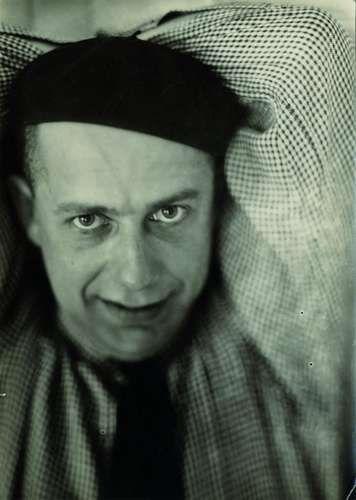 Marianne Breslauer, Paul Citroen portrait, Berlin, 1928 © Marianne Breslauer / Fotostiftung Schweiz, Winterthur Berlin