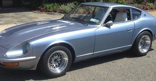 Here Is Howard Jacobs And His Gnose Datsun 280z Pulling Into The Datsungarage Virtual Car Show S30 Datsun280z Zcar Whats In You Datsun Car Show Bmw Car