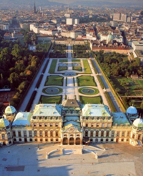Schloß Schönbrunn, Österreich. ♥  ♥  ♥  Wir lieben Österreich. Österreich liebt die Trinkflasche aus Glas von EPiCO BOTTLES. Finde sie auf https://epicobottles.de/