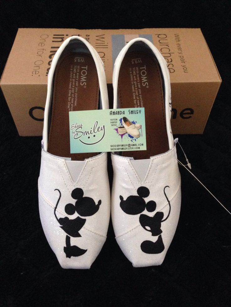 So cute:) wedding shoes! Disney Mickey Mouse and Minnie Mouse Wedding by ShoesBySmiley, $130.00