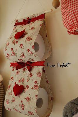 Buongiorno ragazze, anche oggi voglio mostrarvi alcuni dei miei lavori. Per questo porta rotoli ho scelto una stoffa romantica provenzale s...