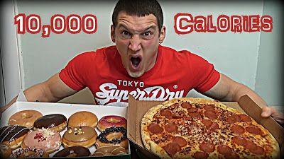 Comer 10 mil calorías en un día: el nuevo (y estúpido) desafío de los YouTubers   Es el nuevo chiste de moda. Una bobada para ganar seguidores en las redes. Así como algunos se desafían a comer picante en cámara un grupo de youtubers se propuso comer 10 mil calorías en un solo día. O sea: 8 mil calorías más que la cantidad recomendada por los nutricionistas.  Una búsqueda rápida en Internet arroja miles de videos. Por ejemplo el del youtuber Furious Pete (más de 3 millones de seguidores) que…