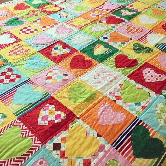 Heart quilt made with @Kelle Lawson Lawson Lawson Boyd and @Robert Goris Goris Goris Kaufman Fabrics fabrics! Regular and reverse appliqué.