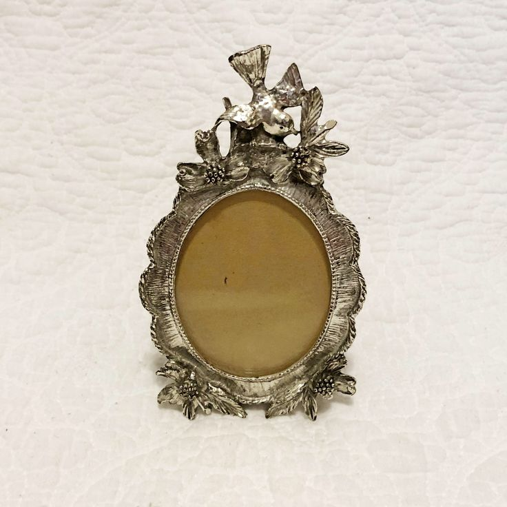 Excited to share the latest addition to my #etsy shop: Vintage metal bird frame, picture frame, dogwood and birds, oval frame, photo frame #housewares #homedecor #vintage #photoframe #pictureframe #bird
