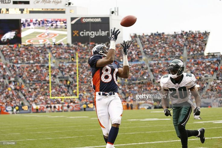 Denver Broncos Rod Smith (80) in action, making catch vs Philadelphia Eagles,