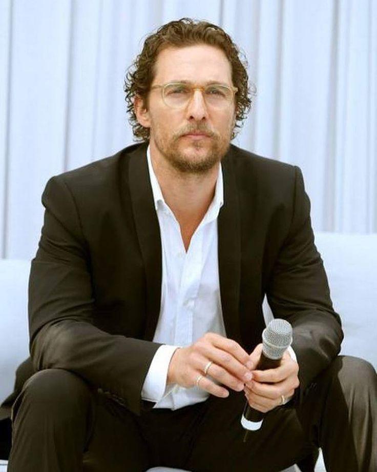 Matthew McConaughey Biography photo age height Net Worth