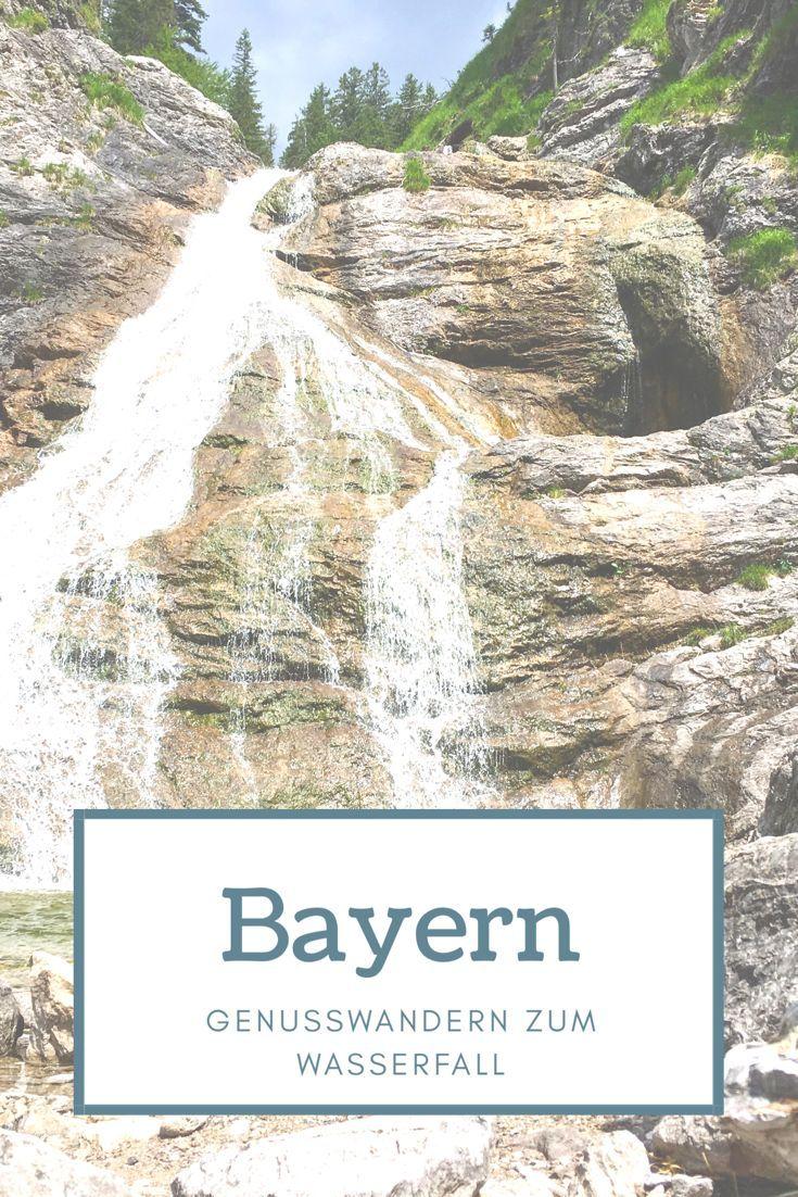 Genusswandern im Tölzer Land. Hiking zum Jachenauer Wasserfall knapp 50 km südlich von München. Bayern ist wunderschön um entspannt zu Wandern. Auszeit vom Alltag. Gemütliche Wandertour für einen perfekten Wochenende Ausflug