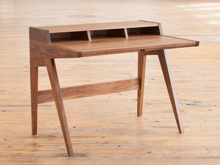 Laura Desk | Phloem Studio