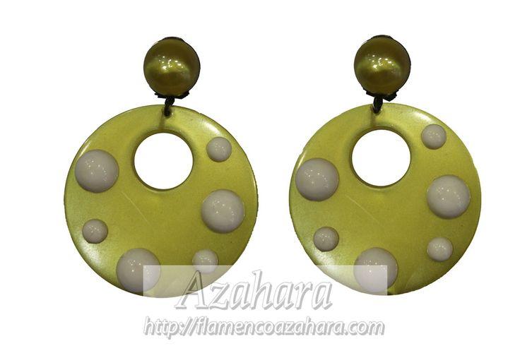 #Pendientes de tamaño mediano. #Complementos de #flamenca para mujer.  También disponibles en color burdeos.  #Azahara #fFuengirola